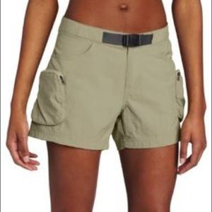 Columbia women's fishing cross on over shorts XS
